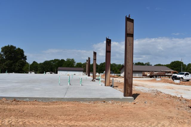 Support columns going up